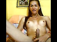 Cute Asian Ladyboy Shemale Playing on Cam