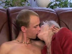 Granny Gets Oral After Sucking Dick For Guy