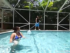 sexy big booty vanessa london swims and fucks pool man