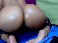 mature latina slut toying her asshole in amateur masturbation scene