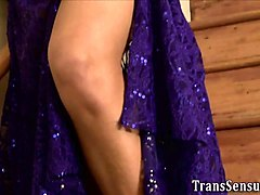 trans babe cums tugging