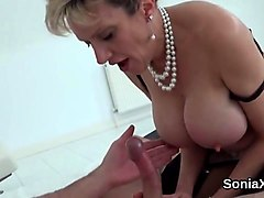 Milf Tante Store Bryster