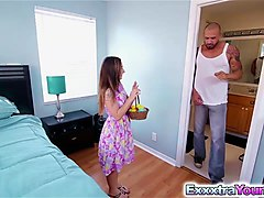 Bambi Brooks hunts for eggs & got fucked