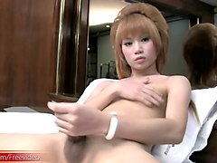 full video of feminine ladyboy teasing and tuggin girl shaft