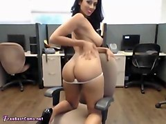 amateur masturbates her desi pussy in public office at work