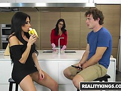 realitykings - milf hunter - jaclyn taylor robby echo - my moms hot friend