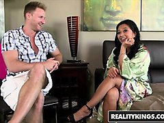 realitykings - milf hunter - levi cash lucky