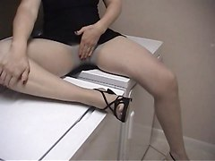 Pantyhose Foot And Pussy Play